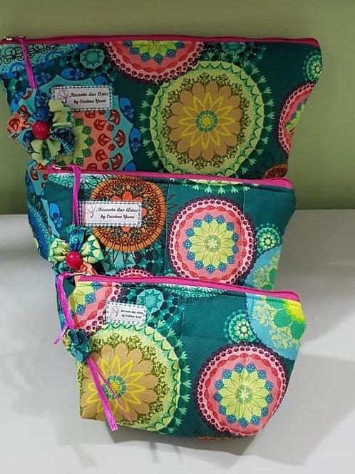 Kit com 3 necessaires em tecido 100% algodão (Tecido principal e forro)