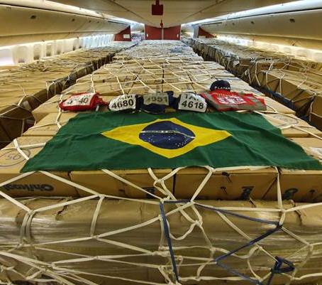 Ministério e LATAM concluem megaoperação para trazer 240 milhões de máscaras ao Brasil