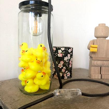 La lampe bocal et les minis canards