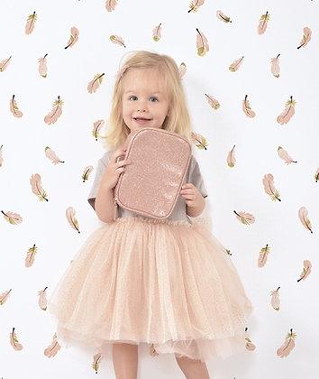 Papier peint plumes roses et dorée chambre fille bébé
