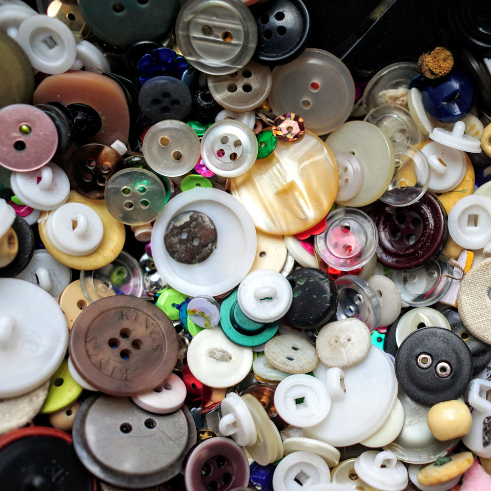 Trim Buttons Square  assorted clever-spa