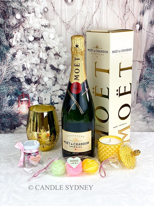 Christmas Moët Basket for Her