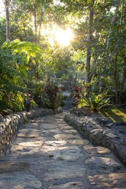Entrada steps bungad biluso