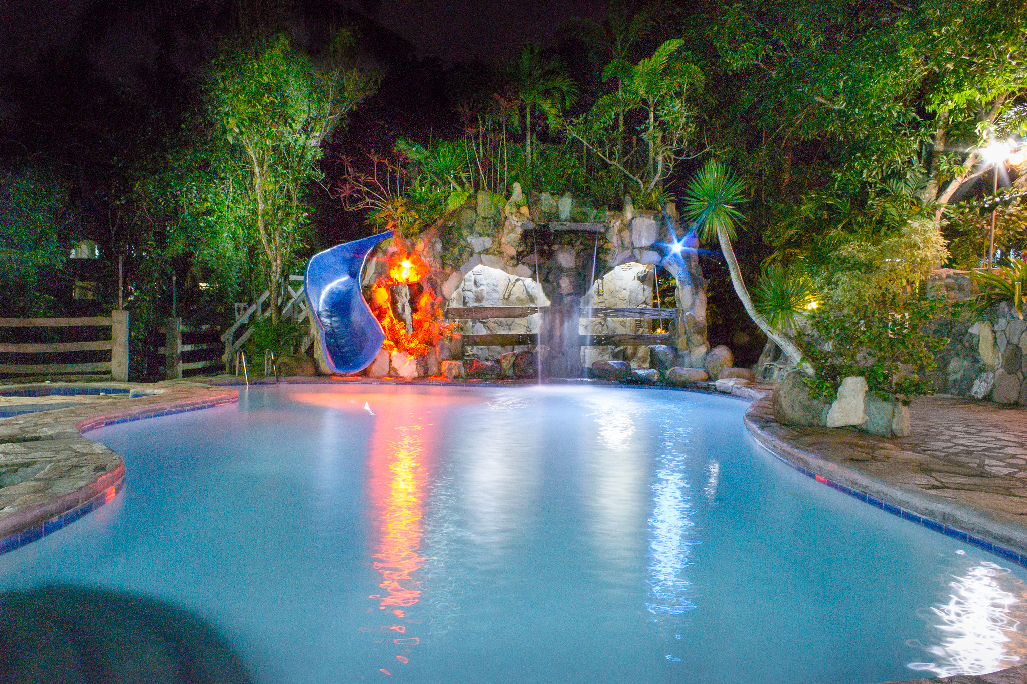 Batis Pool night bungad biluso