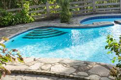 Batis Pool bungad biluso