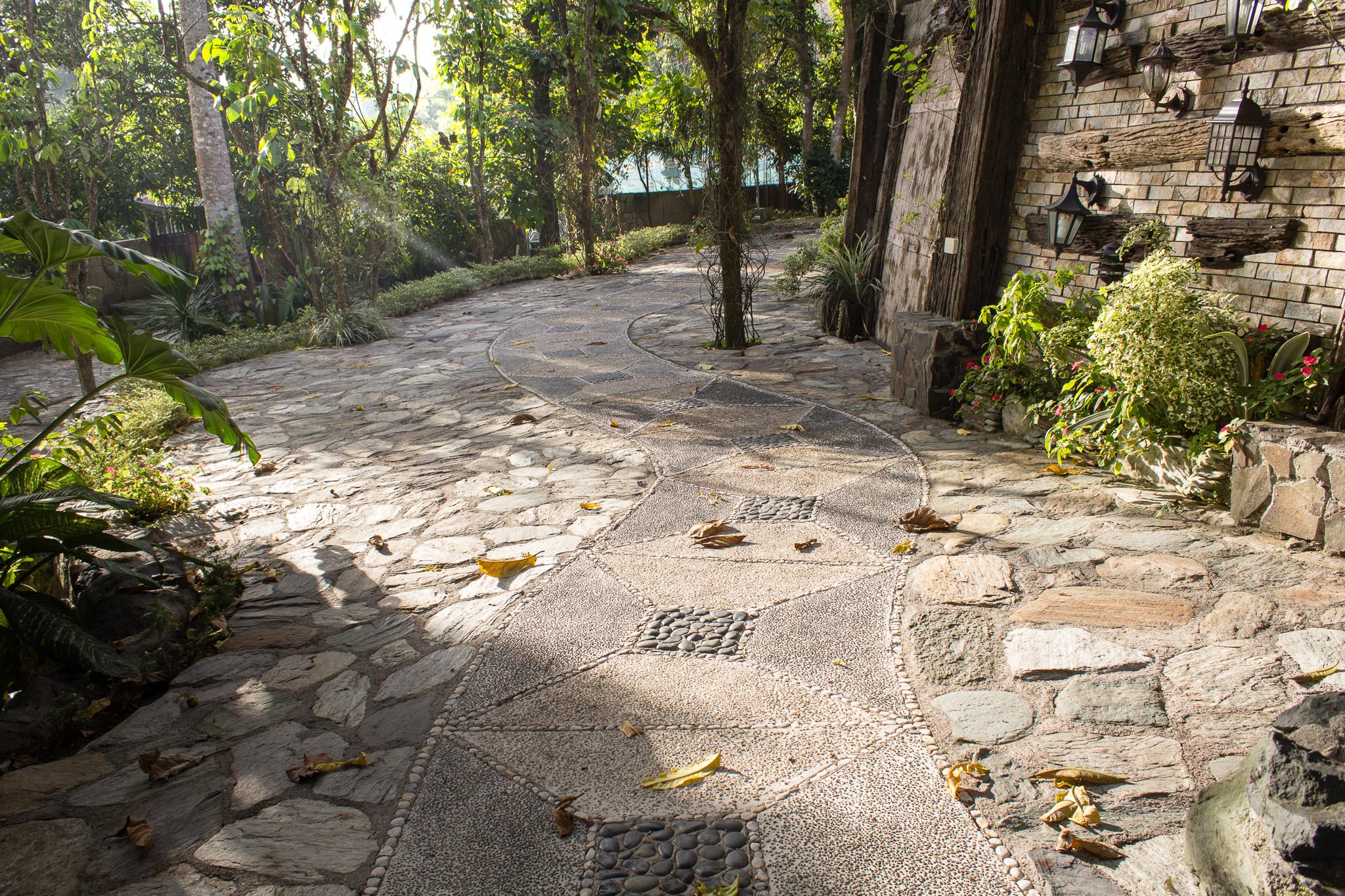 Entrada Platform bungad biluso