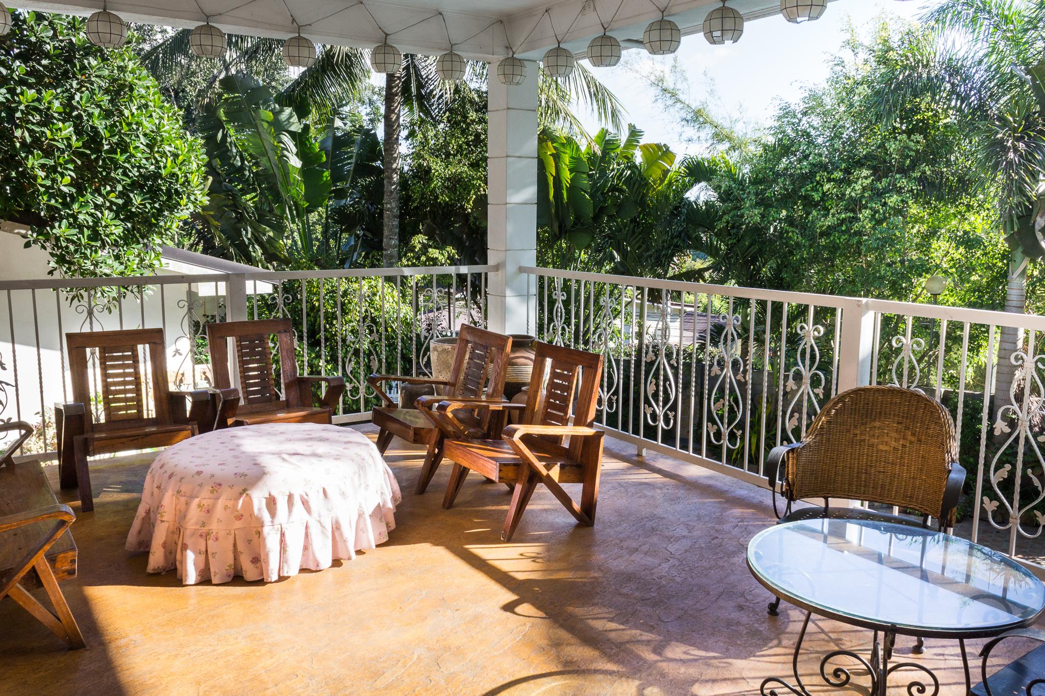 Balcony Family House bungad biluso