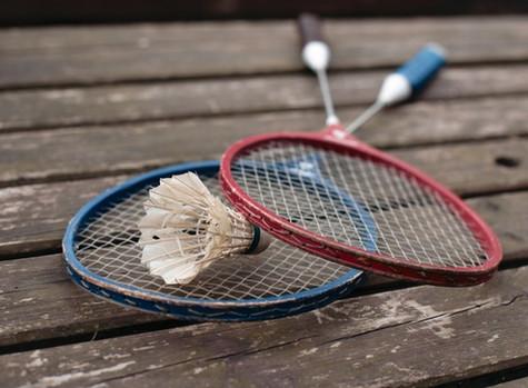回到那些年屋邨打羽毛球的日子