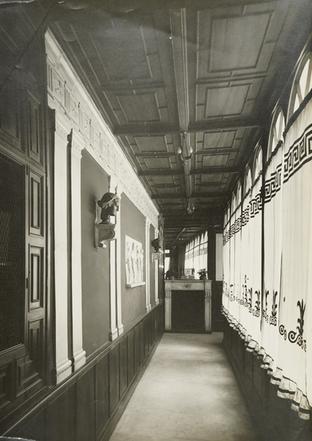 Pompeian corridor, gallery