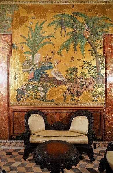 Salotto cinese_intagli in legno.jpg