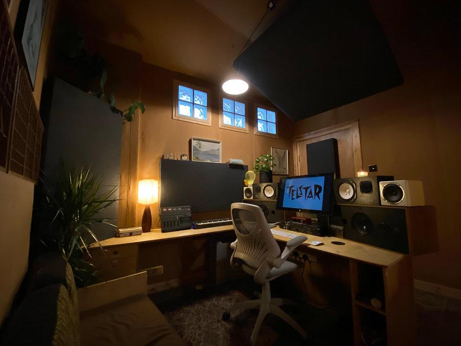 Telstar Studio B 01