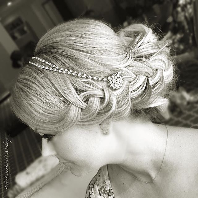 Side view 👰🏼 #bride #bridalhair #floridabrides #destinationwedding #keywestfl #floridakeyshairandm