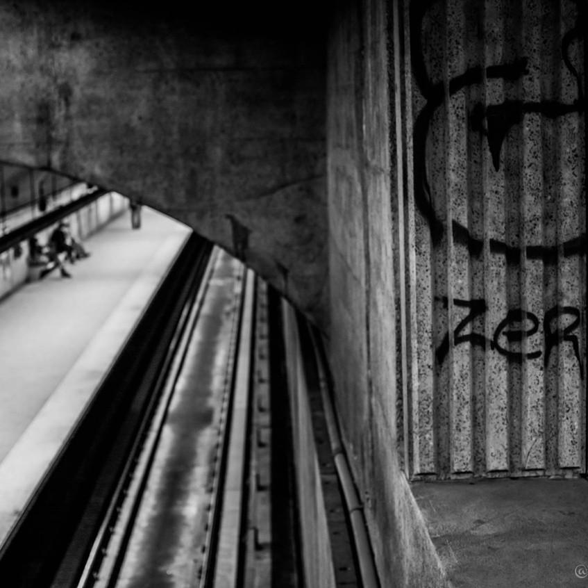 StreetViewAnnie -02-Metro