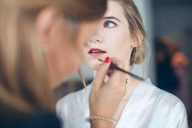 Lauren Bracke make up artist