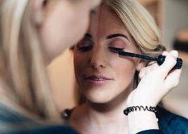 Lauren Bracke make-up artist