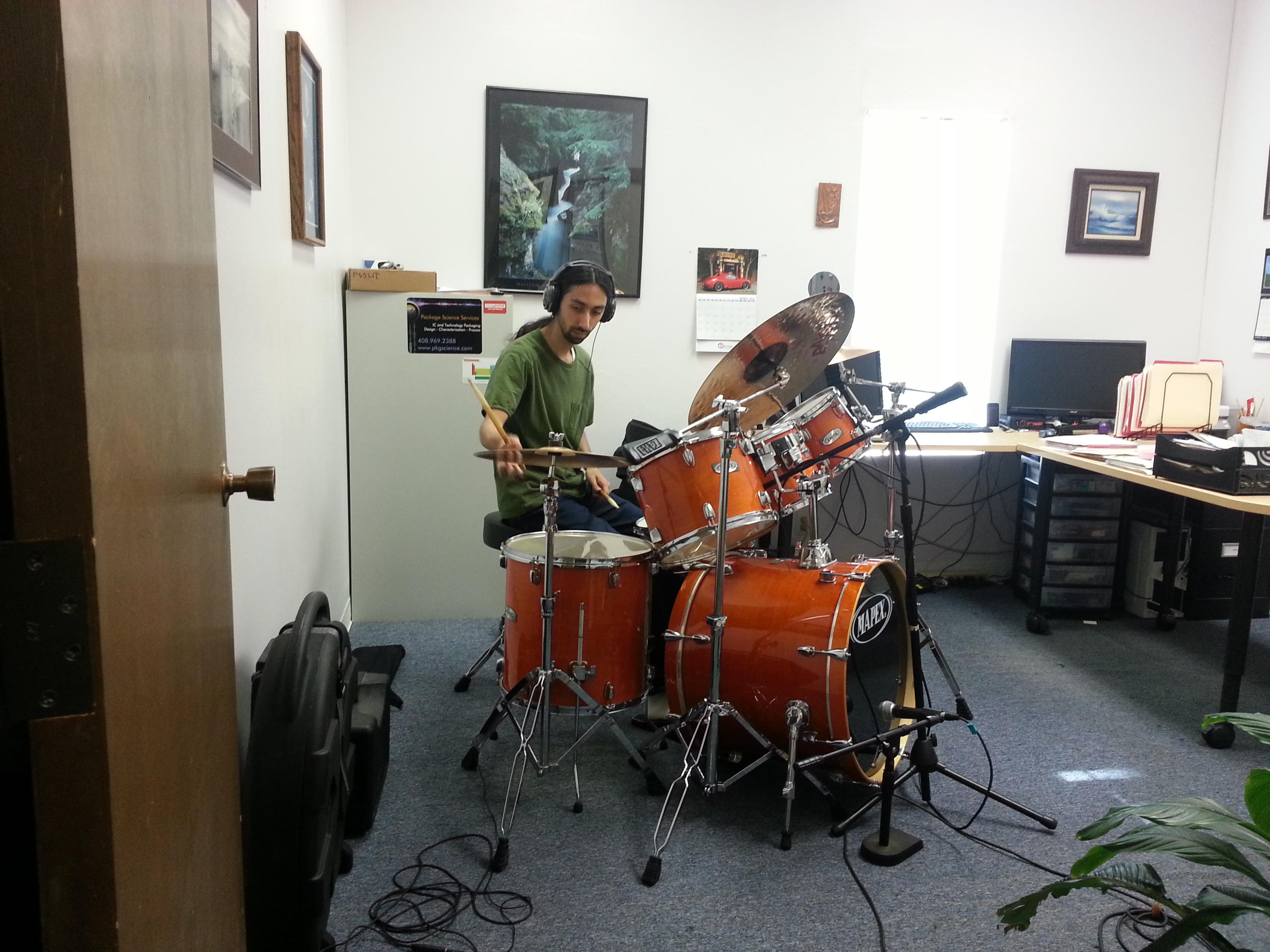 Ramin recording drums