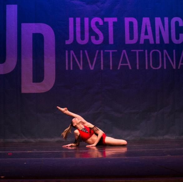 Dances-Seattle-248_edited.jpg