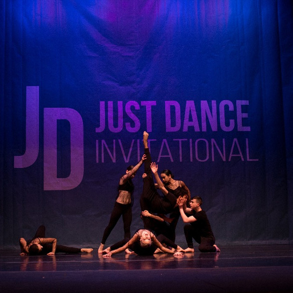 Dances-Seattle-100_edited.jpg