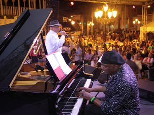 Colin Hunter brings Joe Sealy and the show to the Dominican Republic at the Wyndham Resorts.