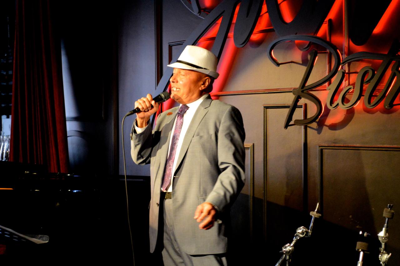 Colin Hunter Sings at Jazz Bistro