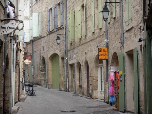 PEZENAS - Rue de la Foire