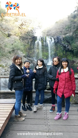 Singapore-Jeju Island-Cheonjeyeon waterfall.jpg