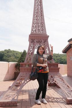 resized_Korea travel - September - petite france - Philippines customer  (3).JPG