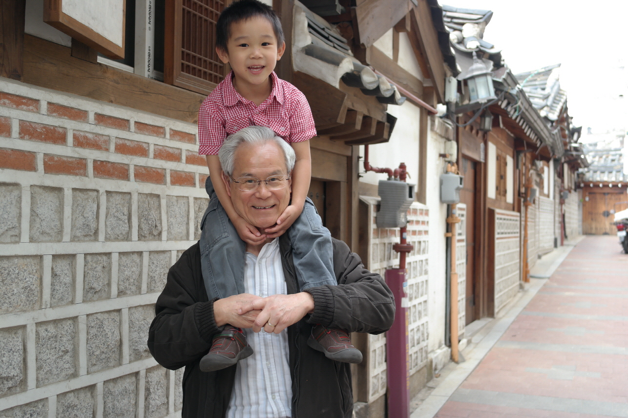 20150405-Hongkong-May-Bukchon Hanok Village-1.JPG