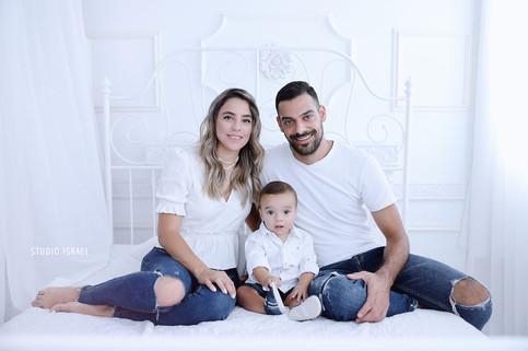 סטודיו ישראל - צילומי משפחה בסטודיו 072.