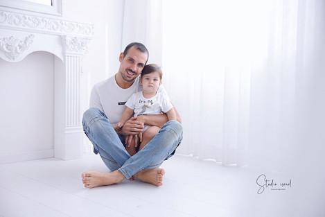 סטודיו ישראל - צילומי משפחה בסטודיו 099.