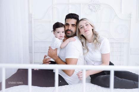 סטודיו ישראל - צילומי משפחה בסטודיו 080.