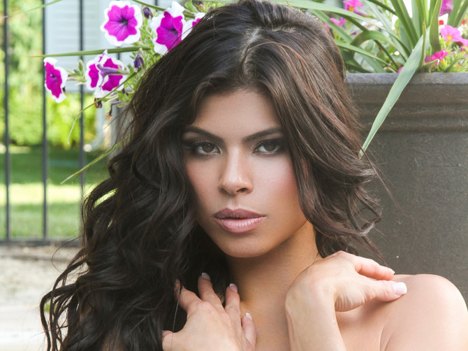 Throwback Covergirl Marissa Jade