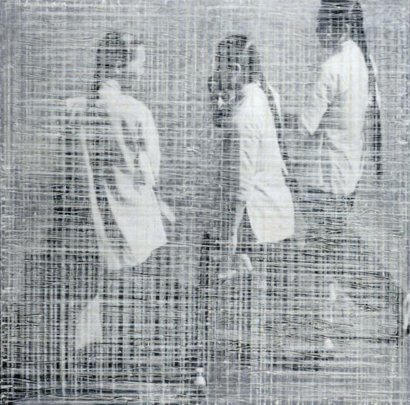 3 GIRLS WALKING (HK)