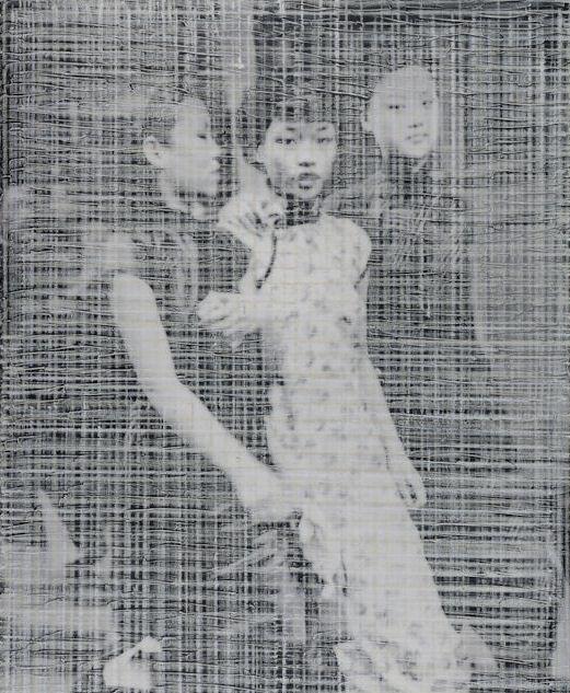 3 GIRLS WALKING (SHANGHAI)