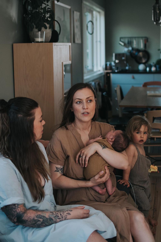 Annelin og Pia med barna