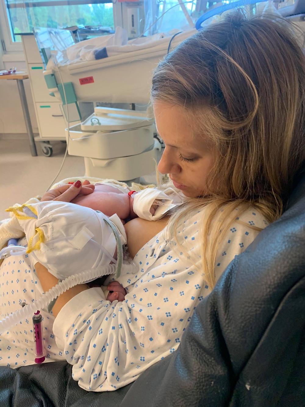 Linda og Ada etter fødsel