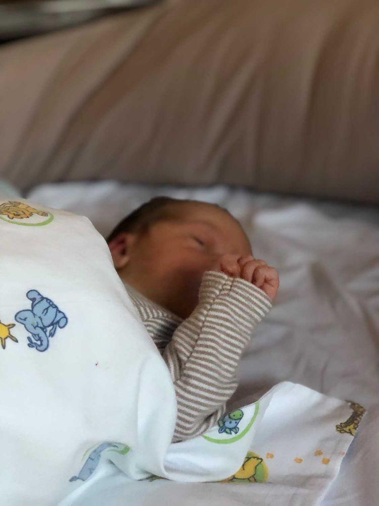 Linns nyfødte gutt Henry