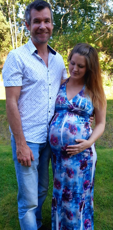 Joachim og hans gravide kone Line