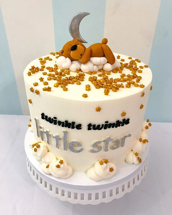 Twinkle Twinkle Little Star! A sweet cake to welcome a sweet new little one.