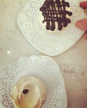 Earl Grey or Cappucino Cupcake?