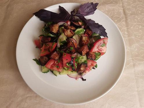 Салат с хрустящими баклажанами 240 гр