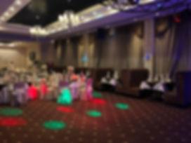 Просторный банкетный зал позволяет разместить до 160 гостей