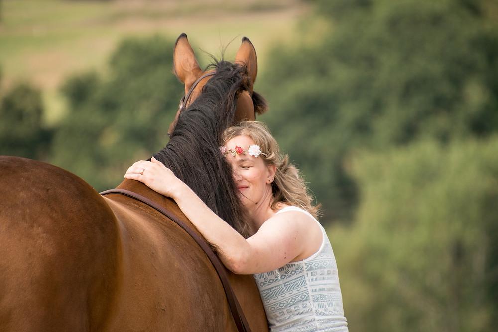 Miksi sinun pitäisi opetella hieromaan omaa hevosta?