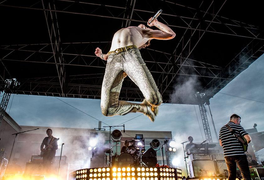 Matt Shultz Cage flying WKU.jpeg