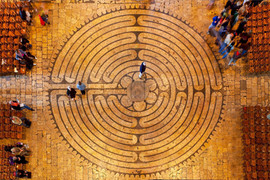 chartres labyrinth.jpg