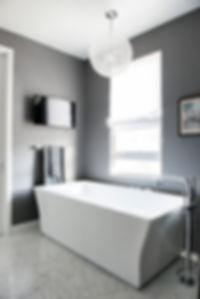 Free standig tub, Grey Master bathrom, Grey Wallpaper, Modern Bathroom,