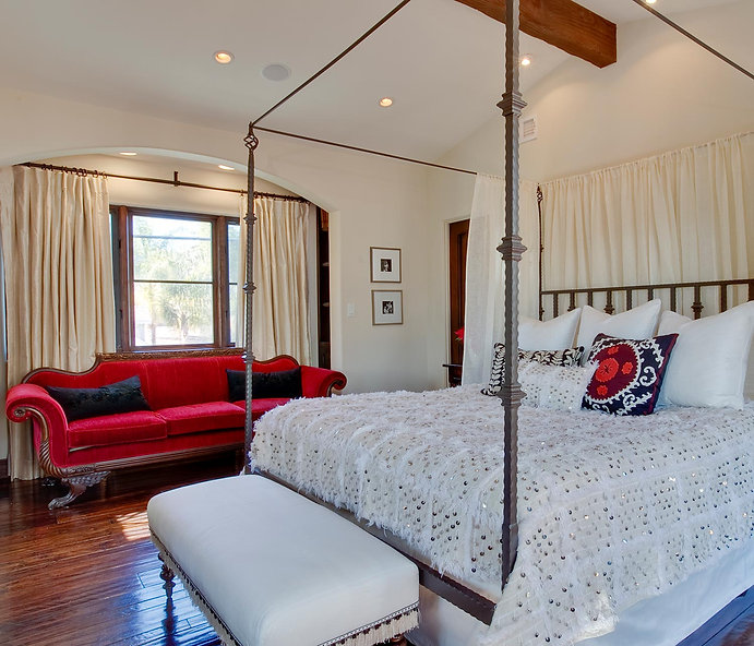 Moroccan blanket, redsofa, bedroom-red-and-cream