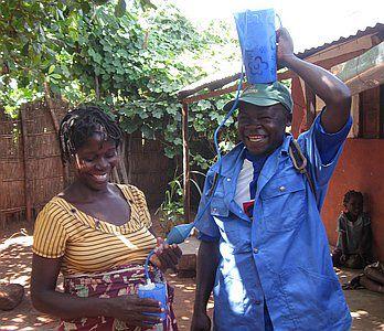 Water filters voor families in Mozam