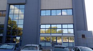 ציפוי חלונות מראתי בבניין גאוקום חיפה