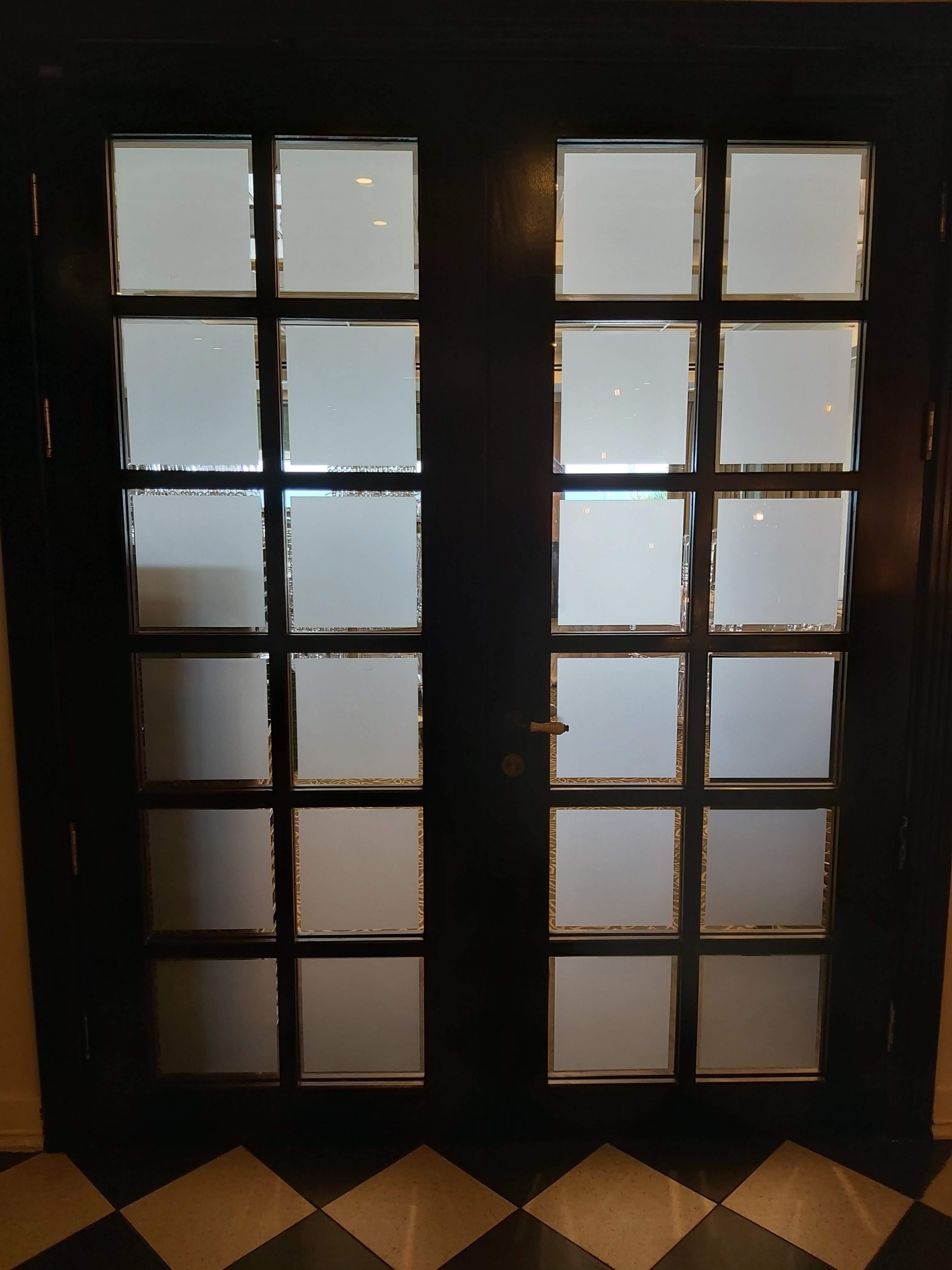 עיצוב דלתות עץ במלון הרודס תל אביב